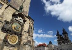 Altstädter Rathaus mit astronomischer Aposteluhr
