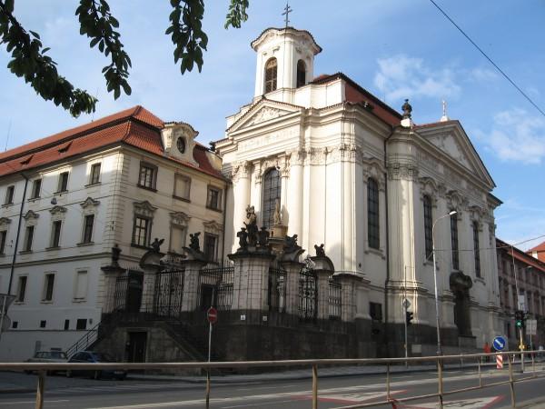 Pravoslavny_katedralni_chram_sv._Cyrila_a_Metodeje_Resslova_Praha