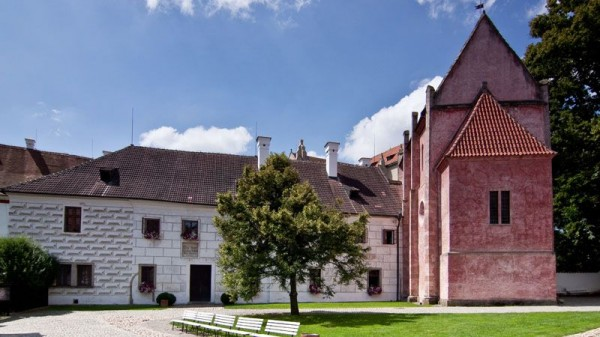 c-zlata-koruna-monastery-3