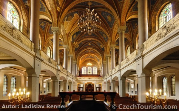 plzen_-_velka_synagoga_-_interier_800x497